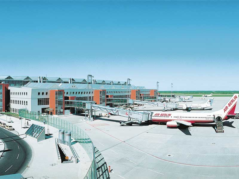 Flughafen Dresden ExtruPol Dachabdichtung, 6.350 qm